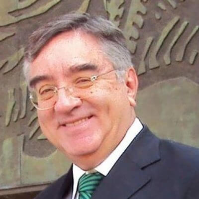 Gil Valdivia, Gerardo